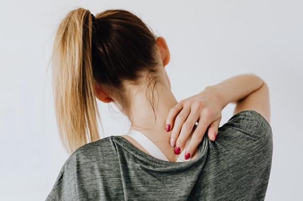 Gerincbántalmak, derék és nyaki panaszok kezelése - a McKenzie torna és módszer