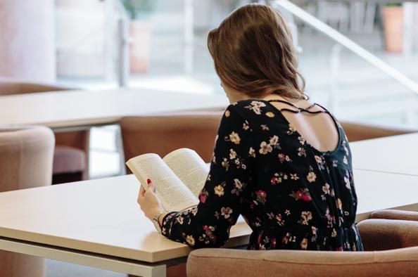 Küzdelem a boldogságért – könyvcsokor hölgyeknek