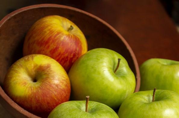 Színes egészség: piros, sárga, zöld – Terítéken az alma