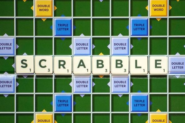 Már 90 éve a világ kedvence – április 13. a Scrabble társasjáték napja