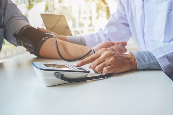 hogyan lehet enyhíteni a lábdaganatot magas vérnyomással magas vérnyomás kezelése de shpa