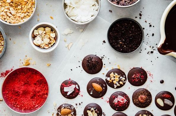 Karácsonyi csokibonbon készítő foglalkozás