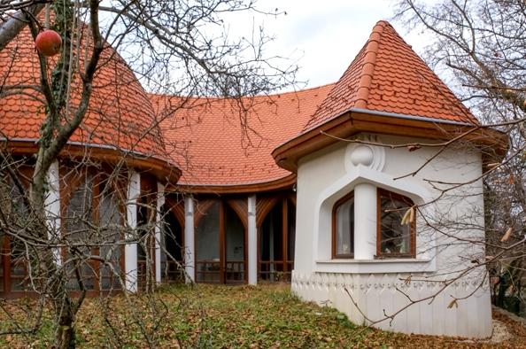 Egy mester emlékezete – a hegyvidéki Makovecz Archívum és Emlékház