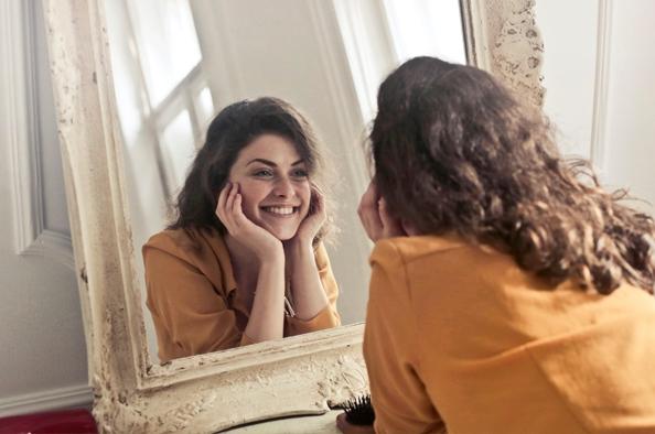 Hogyan tisztítsuk hatékonyan az arcunkat? – Bőrbarát arcápolás a kozmetikustól