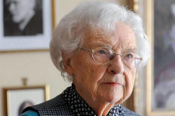 Főhajtás és emlékezet – elhunyt Szőnyi Erzsébet, kerületünk díszpolgára