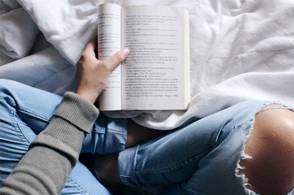 Szerelem, kettős élet és az elengedéssel járó fájdalom – válogatás a könyvesboltok izgalmas kínálatából