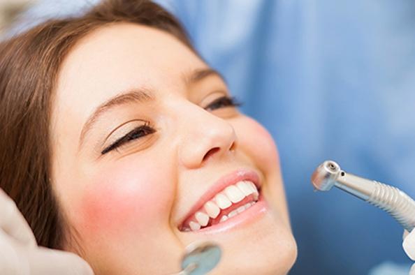 Kismamák a fogászaton – Mikor menjünk fogorvoshoz?